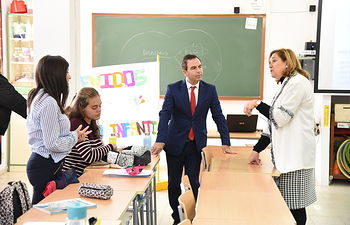 La consejera de Educación, Cultura y Deportes, Rosa Ana Rodríguez, visita el IES 'El Greco' de Toledo. (Fotos: José Ramón Márquez // JCCM).