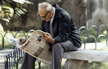 Persona mayor en La Habana. Foto ONU/Milton Grant
