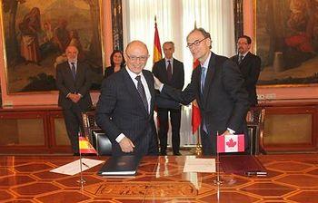 Monton firma convenio con Canadá I. Foto: Ministerio.