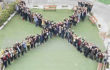 """Campaña """"X Solidaria""""."""