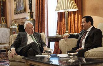 El ministro de Asuntos Exteriores, José Manuel García-Margallo, durante la reunión que ha mantenido hoy con el secretario general del centro internacional para el diálogo interreligioso, el saudí Faisal bin Abdulrahman bin Muammar (Foto EFE)