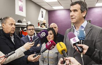 Visita del alcalde a Salomé Moda, incluida en el plan de ayudas al empleo