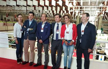 VOX asiste a la inauguración de Fenavin.