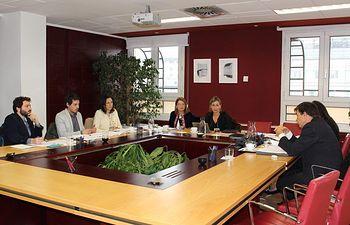 Unidos Podemos y CRUE en la reunión mantenida hoy en el Congreso de los Diputados