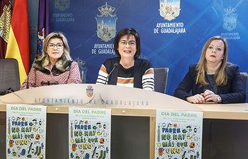 Presentación de la campaña comercial del Día del Padre; Representantes de las Federaciones de Comercio