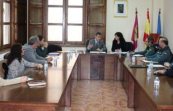 El subdelegado del Gobierno, Francisco Tierraseca, ha presidido esta mañana la constitución de la Junta Local de Seguridad en el municipio de Barrax.