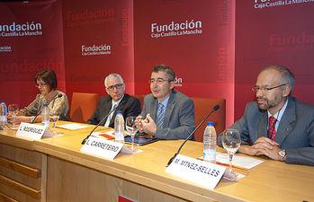Luis Carretero en jornadas cardiogeriatría. Foto: JCCM.