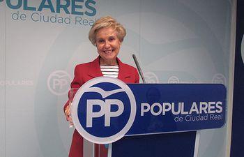 Carmen Quintanilla, senadora.