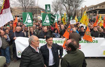 Manifestación con el lema 'Agricultores y ganaderos al límite' en Toledo. Foto: Manifestación con el lema 'Agricultores y ganaderos al límite' en Toledo. Foto: @GrupoAPAG.