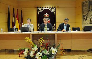El rector, el vicerrector de Profesorado y el secretario general
