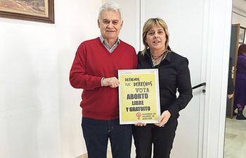 "Jose Luis Gil, junto a la ""destacada 2016"" Carmen López"