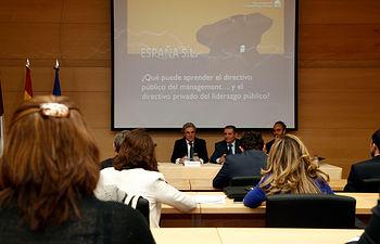 Leandro Esteban participa en la inauguración de la Jornada 'Claves de Liderazgo para la Nueva Gestión Pública'. Foto: JCCM.