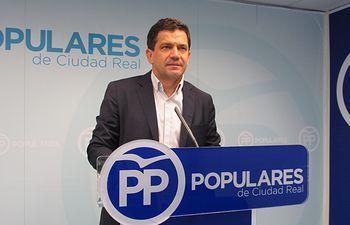 Miguel Ángel Valverde, senador.