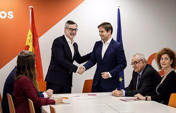 El líder nacional de UPYD, Cristiano Brown, se ha reunido con el secretario general de Organización de Cs, José Manuel Villegas.