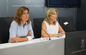 Nives García y Marisa Sánchez, concejalas del Grupo Municipal PSOE en en Ayuntamiento de Albacete.