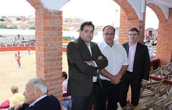 El presidente de la Diputación asiste a los festejos taurinos de las fiestas patronales de Munera.