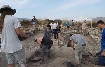 Las nuevas excavaciones que se desarrollan en Tolmo de Minateda están centradas en los niveles islámicos del yacimiento.