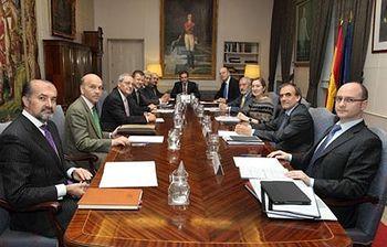 Reunión entre la ministra y representantes de la Unión de Empresas Siderúrgicas. (Foto Ministerio)