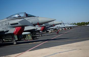 Aviones Eurofighter y C15 en la Base Aérea de Los Llanos