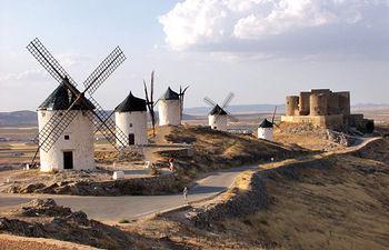 El turismo en Castilla-La Mancha es una vía paliativa a la crisis, favoreciendo el empleo estable y de calidad