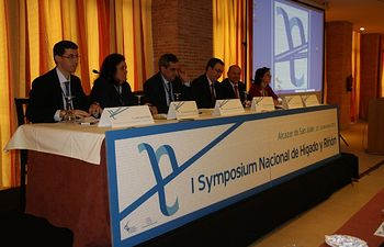 Mesa inaugural I Symposium Nacional de Hígado y Riñón celebrado en Alcázar de San Juan.. Foto: JCCM.