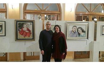 La diputada de Turismo abre la exposición de retratos del artista elcheño Pedro Ruiz Roldán