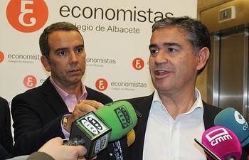 Manuel González Ramos, en el debate organizado por el Colegio de Economistas.