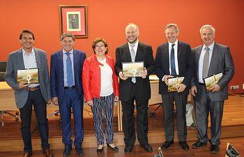 La Exposición permanente de ediciones del Quijote QUIXOTE BOX recibe la donación de una edición bilingüe de El Quijote en Italiano