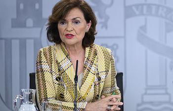 La vicepresidenta y ministra de la Presidencia, Relaciones con las Cortes y Memoria Democrática, Carmen Calvo, durante su intervención en la rueda de prensa posterior al Consejo de Ministros.