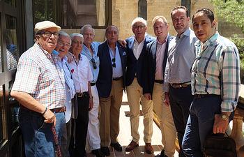 Reunión del Jurado de los Premios Taurinos Samueles con el alcalde de Albacete, Vicente Casañ.