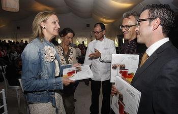 Casero asiste a la presentación del libro Mezclados 1. Foto: JCCM.