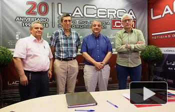 Julián Carvajal, presidente Down CLM; José Julián García, secretario Down CLM; José Antonio Romero, gerente CERMI CLM; y Manuel Lozano Serna, director del Grupo Multimedia de Comunicación La Cerca