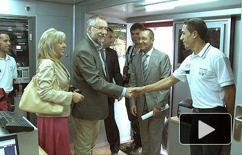 El Consejero de Presidencia, Santiago Moreno, durante su visita al Centro de Operaciones del 112 en la Feria de Albacete.