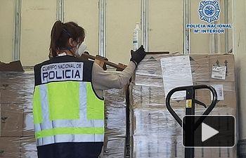 La Policía Nacional interviene 19.600 mascarillas, 498.000guantesdenitriloy otromaterialsanitario.