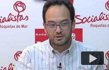 Antonio Hernando interviene en una reunión de dirigentes socialistas de Roquetas de Mar