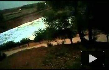 Desbordamiento de la presa de Almansa (vídeo de Miguel A. Díaz)