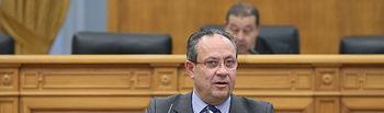 Pleno de las Cortes Regionales.- El consejero de Hacienda y Administraciones Públicas, Juan Alfonso Ruiz Molina. (Foto: Ignacio López/ JCCM)