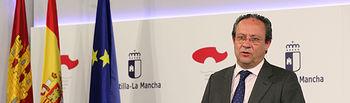 El consejero de Hacienda y Administraciones Públicas, Juan Alfonso Ruiz Molina, informando sobre el último Consejo de Política Fiscal y Financiera. Foto: JCCM.