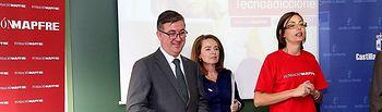 """Marín presenta la campaña """"Controla TIC. Prevención de la adicción a las nuevas tecnologías"""" (1). Foto: JCCM."""