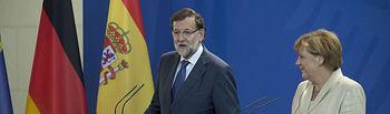 El presidente del Gobierno español, Mariano Rajoy, y la canciller alemana, Angela merkel durante la conferencia de prensa ofrecida por ambos en Berlin, con motivo de la cumbre bilateral hispano alemana.