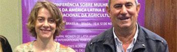 El secretario general de la organización agraria UPA, Lorenzo Ramos, y la presidenta de la federación de mujeres rurales Fademur, Teresa López, participan estos días en Brasilia en un encuentro mundial de la agricultura familiar en Brasil.. Foto: UPA.
