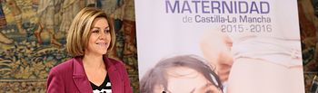 Cospedal presenta el Programa Operativo de Apoyo a la Maternidad de Castilla-La Mancha.