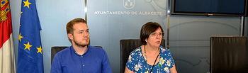 Manuel Martínez y Victoria Delicado.