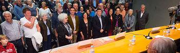 Recibimiento de los familiares y amigos de brigadistas procedentes de Europa en el salón de Actos de la Diputación Provincial de Albacete.