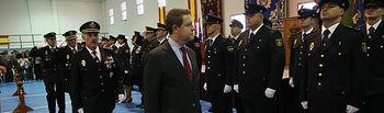 El presidente de Castilla-La Mancha, Emiliano García-Page, preside, los actos oficiales del Día de la Policía, con motivo de la celebración de los Patrones, los Santos Ángeles Custodios, en la Jefatura Superior del Cuerpo Nacional de Policía en Toledo. (Fotos: Ignacio López//JCCM)