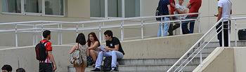 Universitarios en el Campus de Ciudad Real.