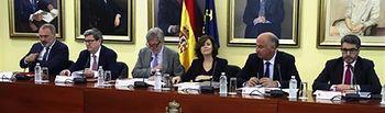 La vicepresidenta del Gobierno y ministra de la Presidencia y para las Administraciones Territoriales, Soraya Sáenz de Santamaría, ha presidido, en el Complejo de La Moncloa, la última reunión plenaria de la Comisión Nacional del IV Centenario de la muerte de Miguel de Cervantes.