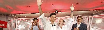 Pedro Sánchez con Rubalcaba y los otros dos candidatos.