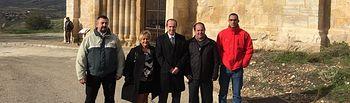 Alberto Rojo junto a alcalde y concejales de Uceda.