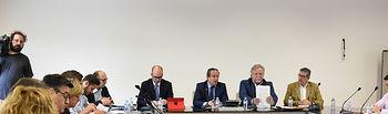 El consejero de Hacienda y Administraciones Públicas, Juan Alfonso Ruiz Molina, mantiene con los sindicatos de la función pública una reunión. Foto: JCCM.